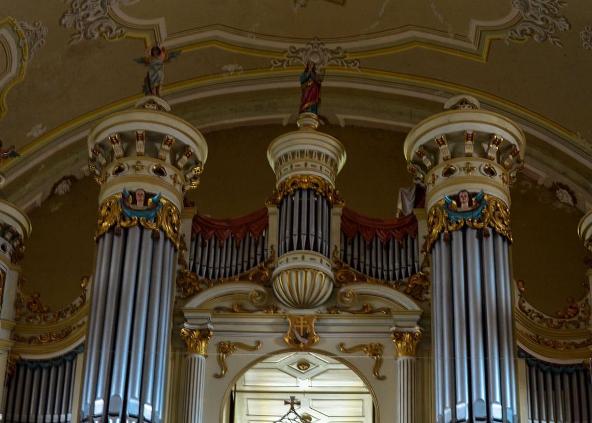 Pipe organ detail