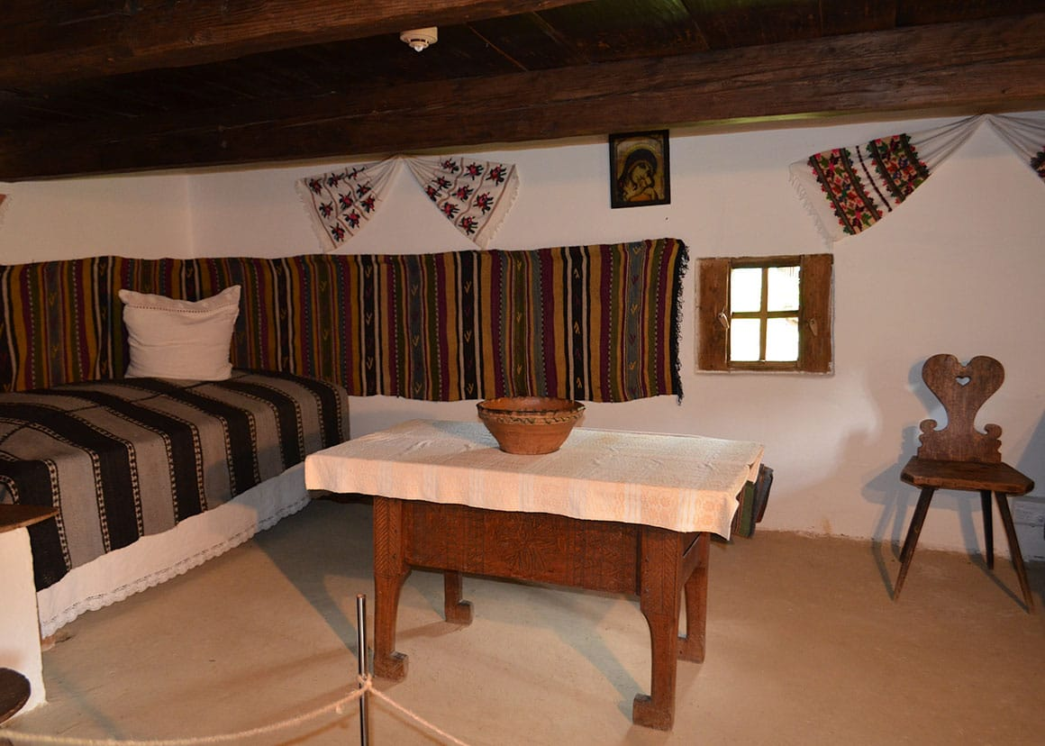 Câmpulung Moldovenesc house interior
